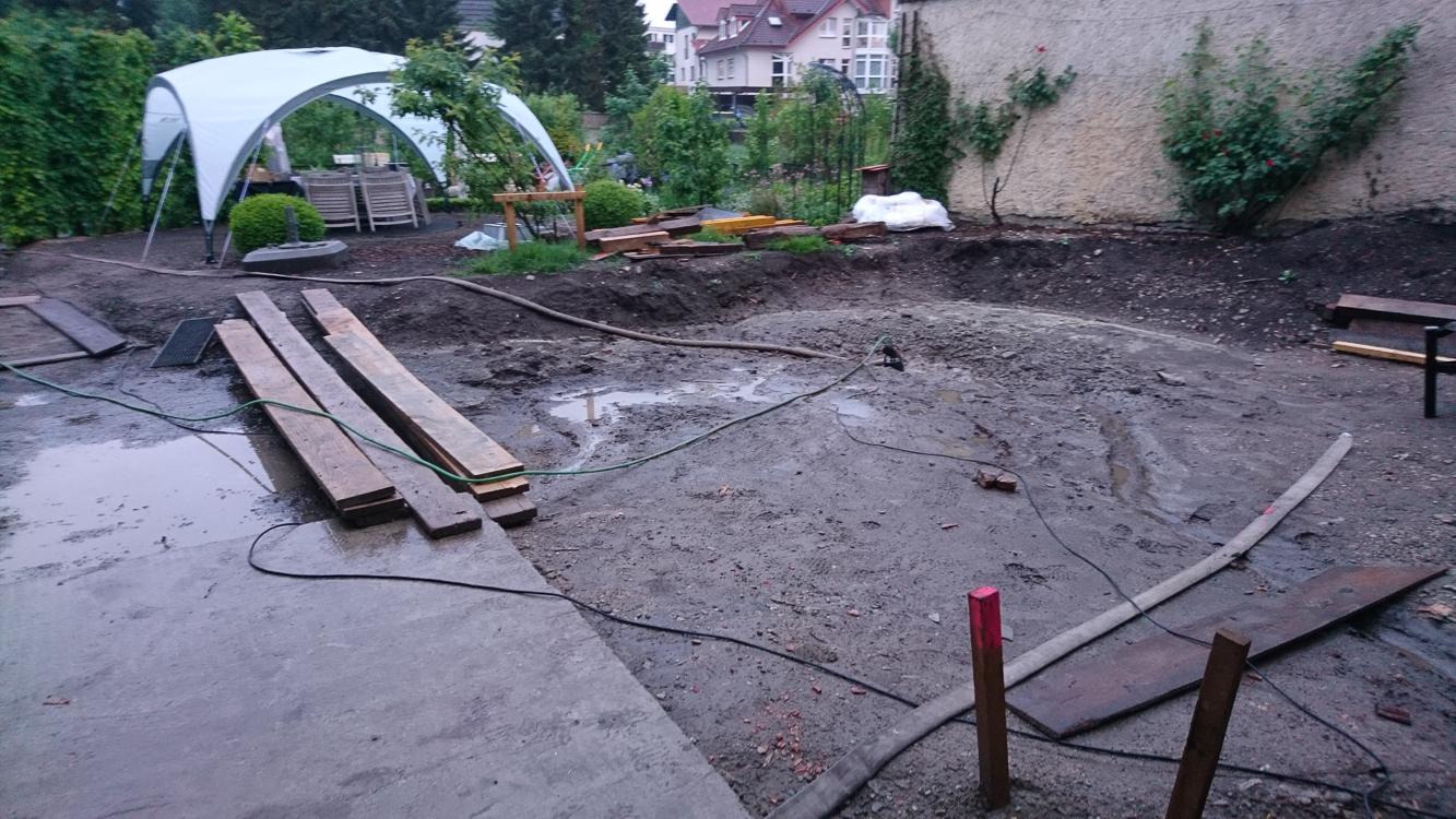 nach Hochwasser wieder trocken gelegt