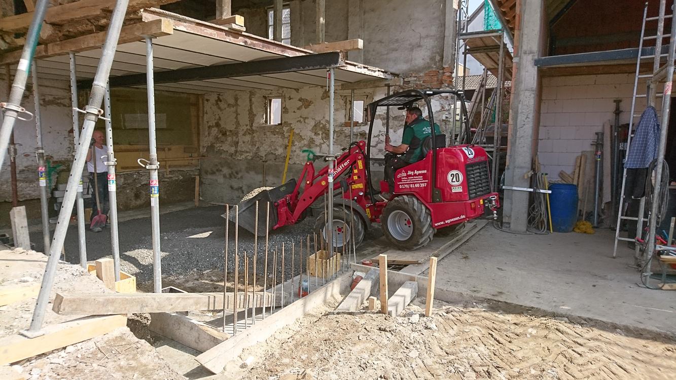 Schotter als Grundlage für die neue Bodenplatte