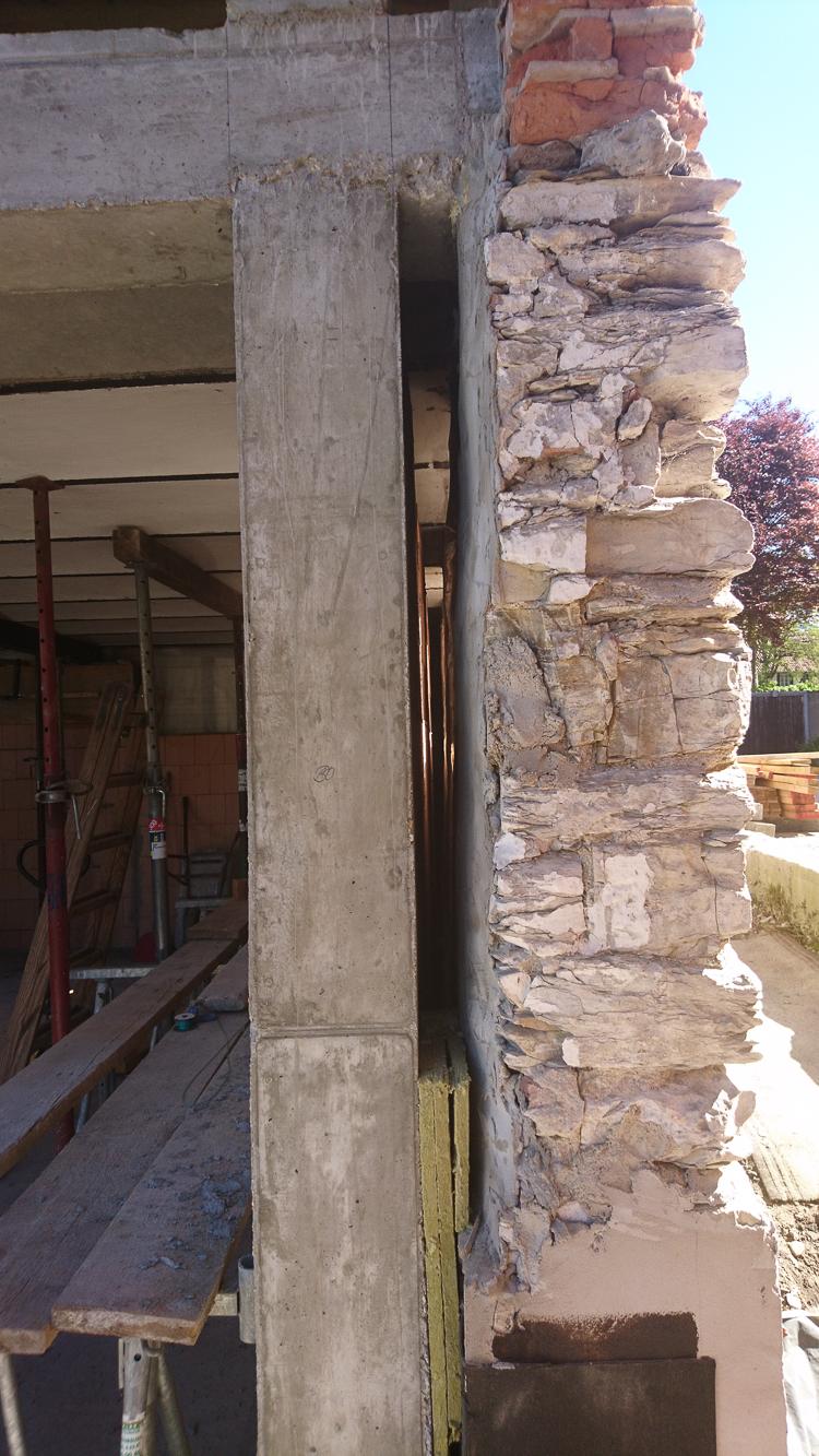 Luftschicht zwischen Bruchstein und neuer Innenwand
