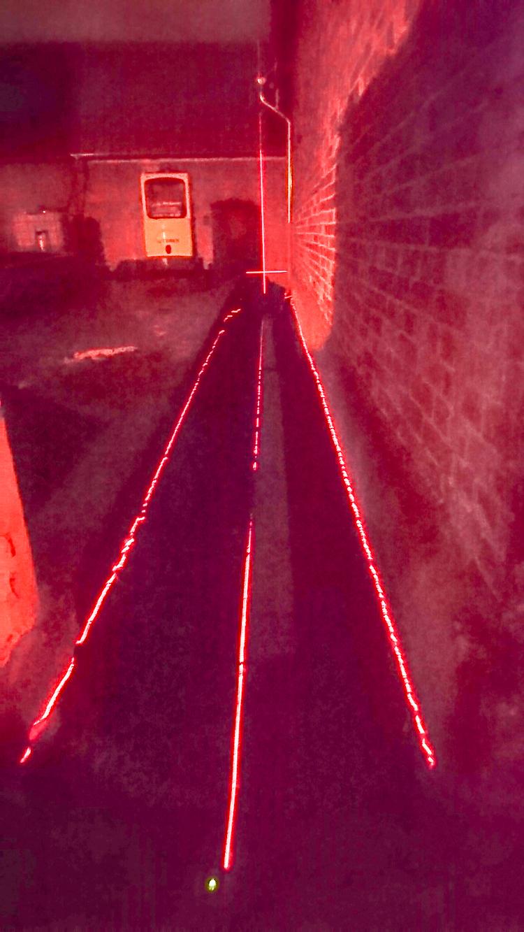Höhenunterschiede wurden mit Laser ausgemessen.